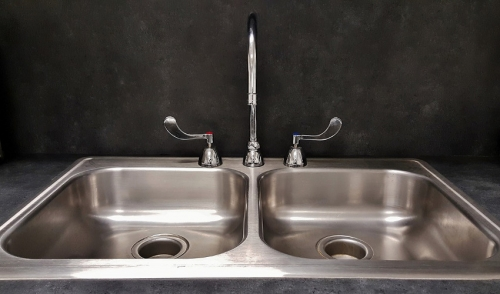 How to Install a Kitchen & Bathroom Sink