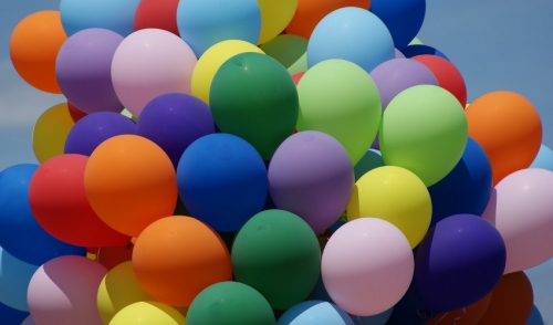 Filling Up Balloons Using A Helium Tank