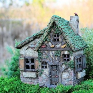 'Woodsy Way' Fairy House
