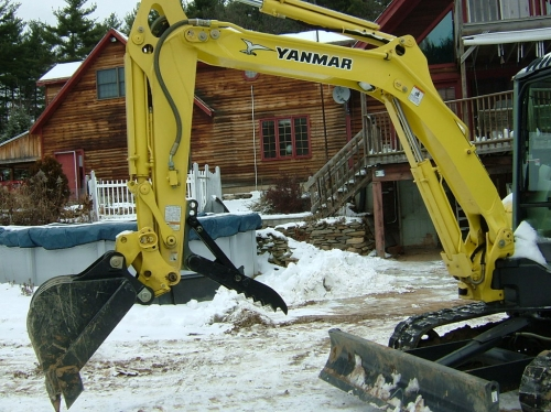 Excavator, VIO-27 with Mechanical Thumb