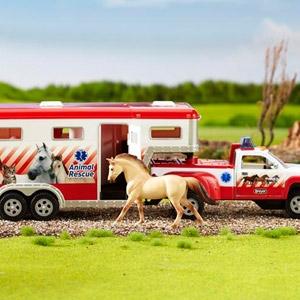 Breyer® Stablemates Rescue Truck & Trailer