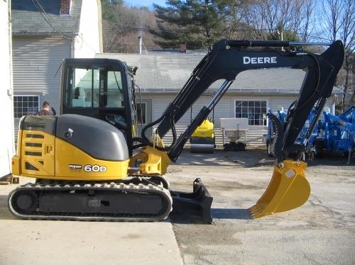 Excavator With Thumb