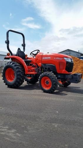 Kubota L3901 Tractor