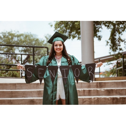 Save 5% On Graduation Rentals.