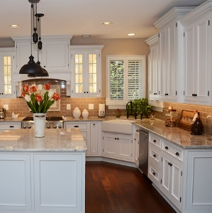 Verona-Maple-White Kitchen Cabinets